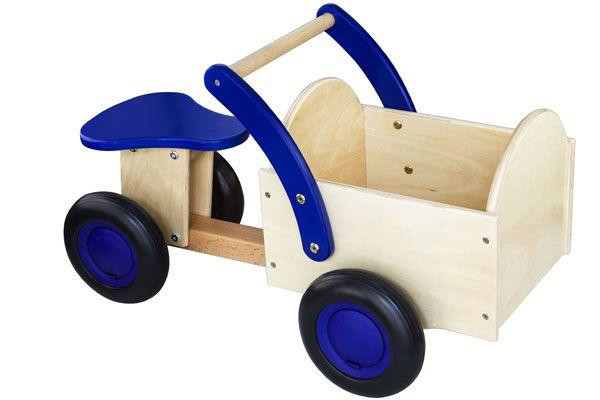 new classic toys rutschauto mit transportkiste blau holz. Black Bedroom Furniture Sets. Home Design Ideas